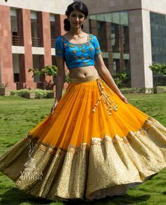 Not sure about the blouse, but the lehenga is fabulous! Half Saree Lehenga, Bridal Lehenga, Anarkali, Sabyasachi Lehengas, Baby Lehenga, Ghagra Choli, Lehenga Saree, Bridal Mehndi, Sharara