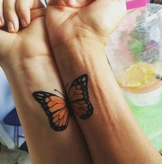 Mother Daughter Tattoos are so cool. Mother daughter tattoos have became the hottest trend of 2015 and they show no sign of slowing down. Mom Daughter Tattoos, Mother Daughter Tattoos, Tattoos For Daughters, Mom Tattoos, Trendy Tattoos, Cute Tattoos, Small Tattoos, Temporary Tattoos, Sleeve Tattoos