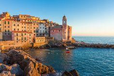 Tellaro in Ligurië De vijf stadjes van Cinque Terre zijn prachtig, dat geldt zeker voor Tellaro. Alleen trekt dit vissersdorpje een pak minder toeristen