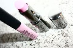 Light pink lipstick...yes please