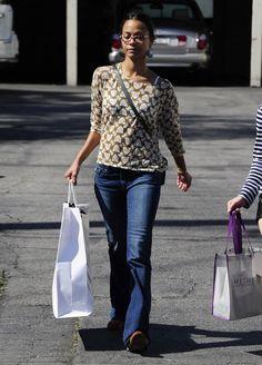 Stunning Hollywood Zoe Saldana