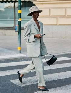 Ideas Fashion Week Outfit Ideas Hats For 2019 Street Style Trends, Street Style Outfits, Looks Street Style, Looks Style, Street Style Women, Modern Street Style, Plaid Fashion, Tomboy Fashion, Green Fashion