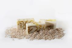Kompari's Oatmeal Swirl Beauty Bar 100% Handmade with a generous blend of the worlds top Essential oils, real Organic Oatmeal, Honey, Goats Milk, Vitamin E, and Butter Blends. Relieves dry skin and balances skin irritations and imperfections, while producing a rich creamy lather. Due to the uniqueness of each individual soap every soap bar is different. The pictures are representative of the product you will receive.  Ask about my 30-Day facial challenge at the website.