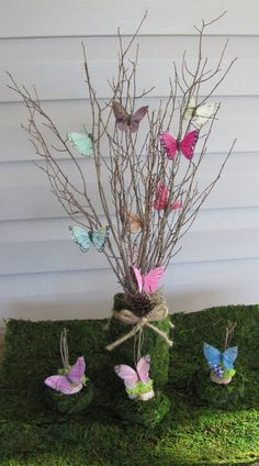 Articoli simili a Butterfly Centerpieces, Bridal Shower Centerpieces, Wedding Centerpieces Butterfly, Moss and Butterflies Party decor su Etsy Butterfly Party Decorations, Butterfly Centerpieces, Butterfly Garden Party, Butterfly Birthday Party, Butterfly Baby Shower, Butterfly Wedding, Shower Baby, Wedding Flowers, Bridal Party Tables