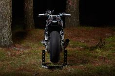 BIG BAD WOLF: EL SOLITARIO'S YARD BUILT XJR1300