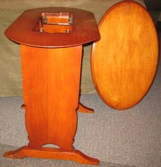 No. 68 Singer Original Featherweight 221 Cabinet Table with / Oval ...