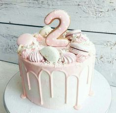 Awesome Birthday Cake Ideas for Girls Back to School Crafts Pretty Cakes, Cute Cakes, Beautiful Cakes, Amazing Cakes, Creative Birthday Cakes, First Birthday Cakes, Birthday Cake Girls, Cake Cookies, Cupcake Cakes
