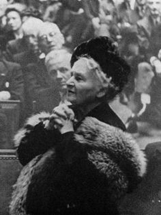 Timeline of Maria Montessori's Life | Association Montessori Internationale