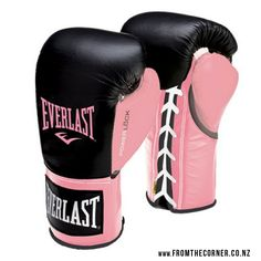 Shop women's training gear and boxing equipment, including gloves, heavy bags and hand wraps, at The Official Everlast Store. Boxing Training Gloves, Everlast Boxing Gloves, Boxing Girl, Kick Boxing, Women Boxing, Kickboxing Gloves, Martial Arts Gear, Mma Gear, Pink Gloves