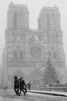 Snowing at notre Dame, Paris!