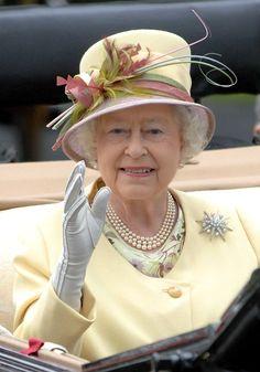 Queen Elizabeth II Photos Photos - Day Four of Royal Ascot - Zimbio