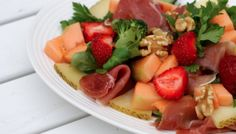 canteloupesalat med jordbær
