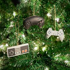 ThinkGeek :: Classic Video Game Controller Ornament Set