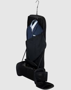 Vocier luggage packs your suits without wrinkles!