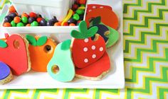 Very Hungry Caterpillar party: fondant-covered Rice Krispie Treats