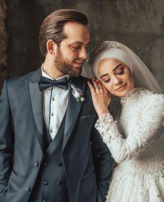 Muslim Wedding Dresses, Wedding Hijab, Wedding Poses, Wedding Photoshoot, Wedding Couples, Wedding Photography Contract, Muslim Couple Photography, Merida, Hijab Dress Party
