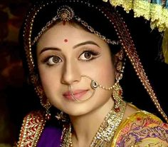 Paridhi Sharma - The Beauty Queen : Jodha Akbar November 2014 Written Episode Indian Bridal Photos, Indian Bridal Makeup, Cute Baby Girl Images, Cute Girl Pic, Anushka Latest Photos, Wedding Lehnga, Dark Eyebrows, Wedding Girl, Wedding Shoot