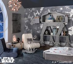 kleinkind zimmer Take flight on an adventure across the galaxy with these starfighters and light freighters. Featuring iconic Star Wars ships, these metallic easy-to-hang decals will Star Wars Bedroom, Star Wars Nursery, Boy Star Wars Room, Nursery Boy, Star Wars Decor, Star Wars Kids, Star Wars Baby, Star Wars Kindergarten, Bedroom Themes