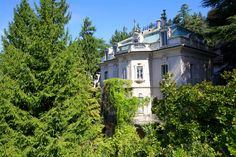 via Scalini Brunate, Como, Italy – Luxury Home For Sale Real Estate Buyers, Luxury Real Estate, Basilica Of The Annunciation, Lake Como Villas, Lake Como Italy, Stone Columns, Luxury Villa, Real Estate Marketing