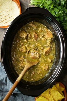 Slow Cooker Chile Verde is spicy tender pork, wonderful just wrapped in a tortilla! He's always ordering chile verde when Slow Cooker Chili, Slow Cooker Chile Verde, Crock Pot Slow Cooker, Slow Cooker Carnitas, Slow Cooking, Cooking Recipes, Cooking Oil, Tomitillo Recipes, Cooking Steak