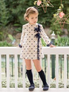 Mode für Kleinkinder Mädchen ID: 1929891077 … – Лучшие идеи одежды Toddler Girl Outfits, Baby Outfits, Little Girl Dresses, Toddler Fashion, Toddler Dress, Fashion Kids, Kids Outfits, Girls Dresses, School Outfits