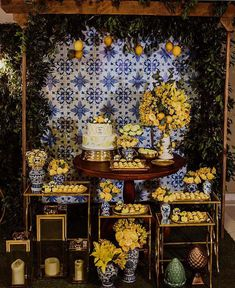 The tiles and patterns that you have definitely seen and adored, in blue and white, blue and yellow or in green colors. Greece Party, Yellow Bridal Showers, Lemon Centerpieces, Boho Garden Party, Lemon Party, Amalfi Coast Wedding, Santorini Wedding, Indoor Wedding, Italy Wedding