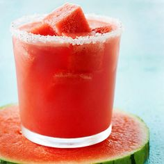Frozen watermelon cubes top off this tasty Watermelon Margarita. Find 12 more margarita recipes: Fruit Wine Cocktails, Summer Cocktails, Cocktail Drinks, Cocktail Recipes, Refreshing Cocktails, Frozen Watermelon, Watermelon Margarita, Watermelon Recipes, Margarita Party