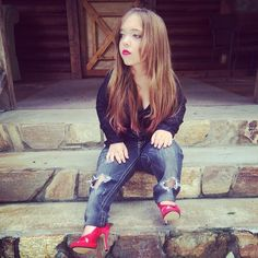 Jeans and things for little people kids with Dwarfism Little Hotties, Dwarfism, Little People, Pretty Little, Amy, Hipster, Fashion Outfits, Female, How To Wear