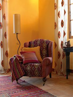 Lovely little corner in warm colors. Cream Living Rooms, Indian Living Rooms, Little Corner, Interior Decorating, Interior Design, Yellow Walls, Indian Home Decor, Room Colors, Soft Furnishings