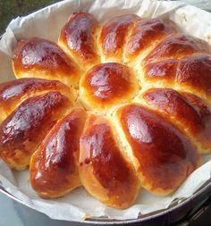 Greek Cooking, Pretzel Bites, Hot Dog Buns, French Toast, Food And Drink, Sweets, Bread, Breakfast, Cake
