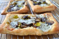 leek mushroom and gorgonzola tarts mushroom leek and gorgonzola tarts ...