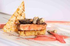 Gebratene Gänseleber auf Rhabarber mit Spitzmorcheln | ausgezeichnet-geniessen