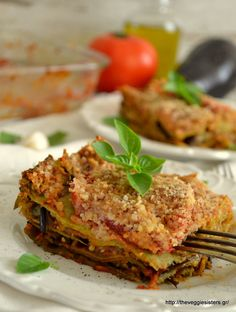 Vegan eggplant lasagna: a delicious summer dish! Vegan Recipes Beginner, Vegan Recipes Videos, Vegan Dinner Recipes, Delicious Vegan Recipes, Raw Food Recipes, Healthy Recipes, Vegan Eggplant Lasagna, Vegan Recepies, Summer Dishes