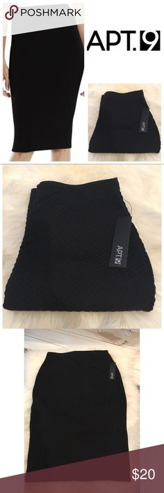 🆕 Apt 9 Black Midi Skirt Make a modern statement in this women's Apt. 9 Black textured midi pencil skirt. PRODUCT FEATURES Textured design Unlined FIT & SIZING 25-in. approximate length Pencil cut Midi length FABRIC & CARE Polyester, spandex Machine wash Apt. 9 Skirts Midi