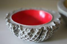 neon pink decoration bowl made of cement - design by betonscherepapier* === bubblewrap!