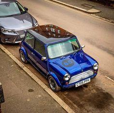 Mini Cooper Classic, Classic Mini, Mini S, Wedding Car, Old Cars, Vintage Cars, Marriage, Modified Cars, Automobile