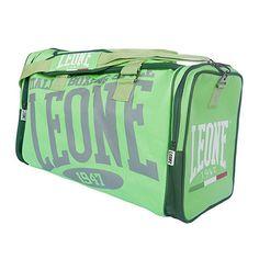 Borsone LEONE EXPLOSION Verde Borsone sportivo LEONE linea Explosion realizzato in nylon 600D impermeabile. Comodo per trasportare indumenti e protezioni. Studiato per i praticanti di Kick Boxing,  Muhay Thai, MMA, BJJ e sport da combattimento in genere