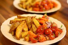 Wedges mit Tomatensalat