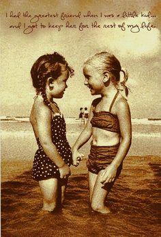 Joyeux anniversaire à toi mon double... ma soeur, mon amie, l être qui me fait rire comme personne ...Merci pour tout ce que tu m apportes par tes sourires, ta présence, tes mots ... merci pour cette petite folie qui fait de toi la plus GÉNIALE des soeurs qui soient ... Happy Birthday my sister à Moi