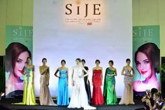 Singapore International Jewelry Expo 2019 makes its mark as the largest jewelry show in Singapore. Honouring jewelry designers and their creations Jewelry Show, Jewelry Design, International Jewelry, Brilliant Diamond, Jewelry Collection, Countries, Singapore, Star, Ring
