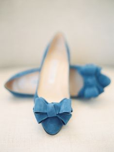 Pretty blue bow flats: http://www.stylemepretty.com/2016/05/16/see-why-we-love-this-completely-non-traditional-nyc-wedding/ | Photography: D'Arcy Benincosa - http://benincosaweddings.com/