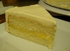 Yum... I'd Pinch That! | Southern Lemon White Cake with Lemon Curd