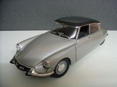 Citroen DS 19 1963 model toy car