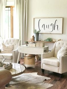 Adorable 50 Rustic Farmhouse Living Room Design and Decoration Ideas https://homearchite.com/2017/07/15/50-rustic-farmhouse-living-room-design-decoration-ideas/