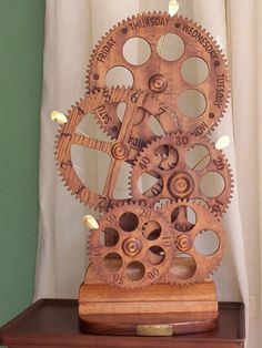 Isn't it about time for you to build your own wooden geared clock? If so, Wooden Gear Clocks should be a stop on your chronographic voyage? Wooden Gear Clock, Wooden Gears, Wood Clocks, Wooden Clock Plans, Woodworking Furniture Plans, Woodworking Projects That Sell, Woodworking Crafts, Woodworking Jointer, Woodworking Apron