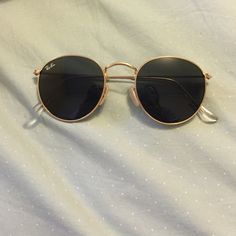 Ray Ban round metal gold frame green lenses in good condition :) Ray-Ban Accessories Sunglasses