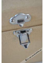 1 coffre à trésor moyen , en forme de malle #fetes #decoration #table #fleur www.decodefete.com
