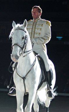 As a little boy, Anthony Jackson dreamed of being a horse trainer. Growing up in Alaska on a horse farm near Anchorage, he obtained plenty of knowledge, practice, and work. It shows now, for Anthony is the lead rider with the World Famous Lipizzaner Stallions.