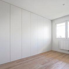Modern Grey Bedroom, Living Room Modern, Living Room Designs, Bedroom Closet Design, Bedroom Wardrobe, Wardrobe Door Designs, My Ideal Home, Cupboard Design, Studio Room