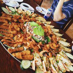 Cuando visiten La Bufadora y contemplen el espectáculo natural no olviden probar las delicias que sus restaurantes tienen para ti! Que tal una ligera botana para abrir el apetito! #Ensenada te espera! Aventura por tania_pereda